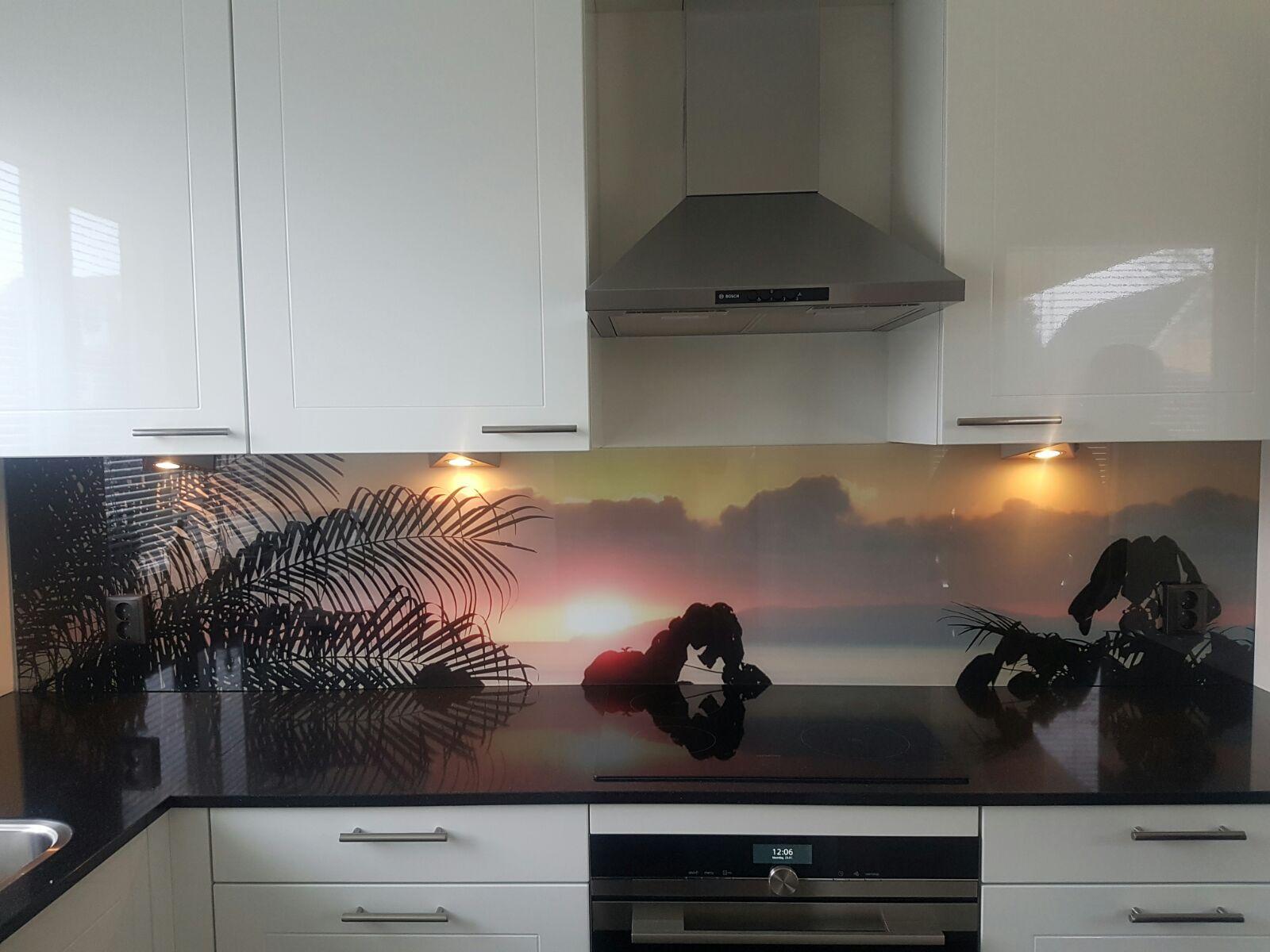 Stopcontacten In Keuken : Keuken achterwand glas met print en stopcontacten glasbestellen